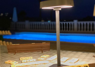 Flai portable lighting central support complete outdoor poolside table